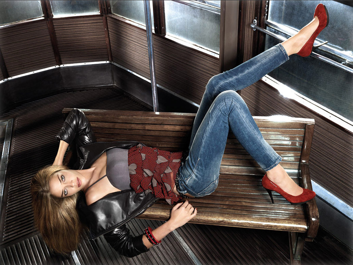 Смотреть онлайн жену в джинсах 16 фотография