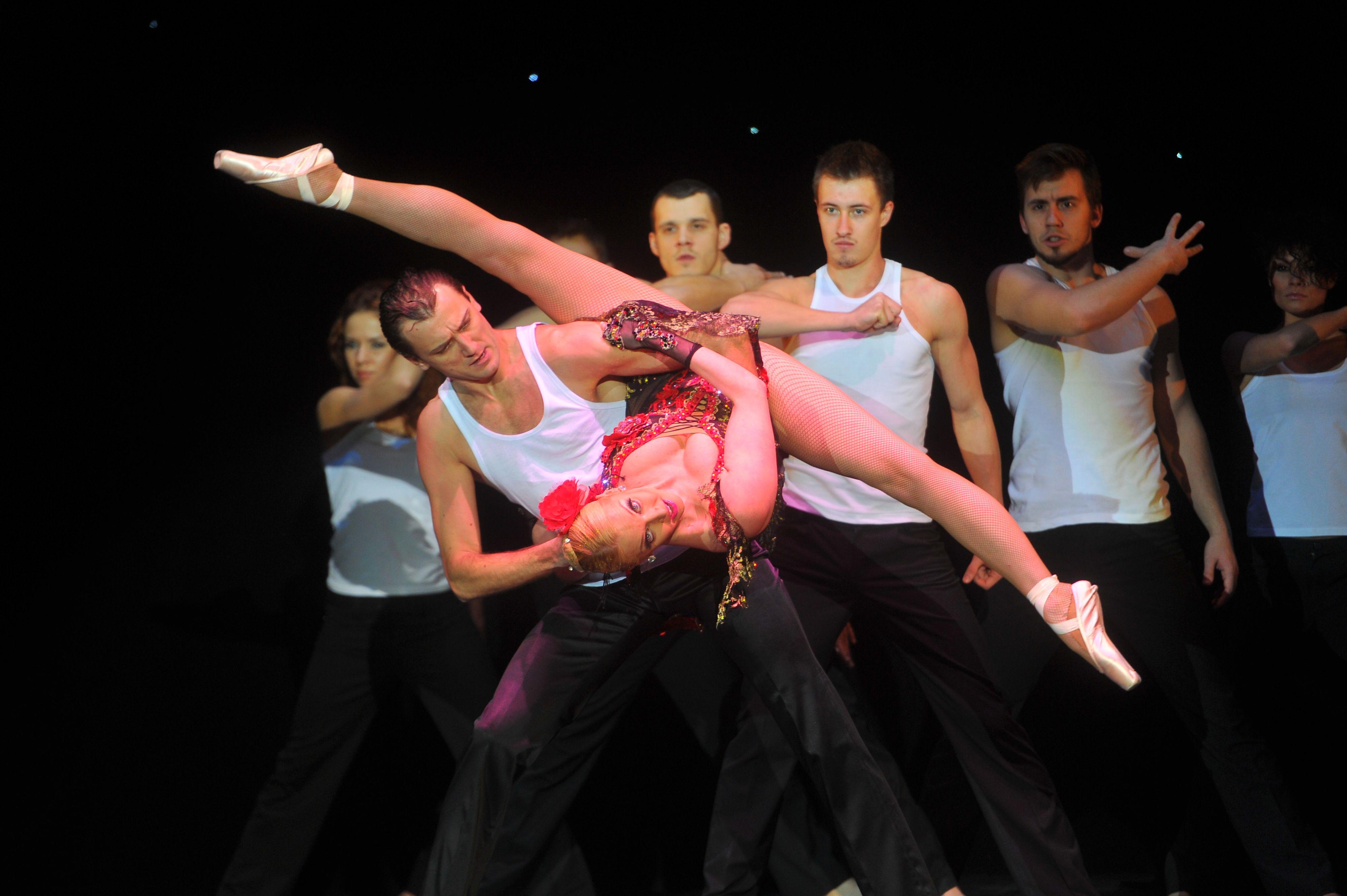 Стринги в танцах 6 фотография