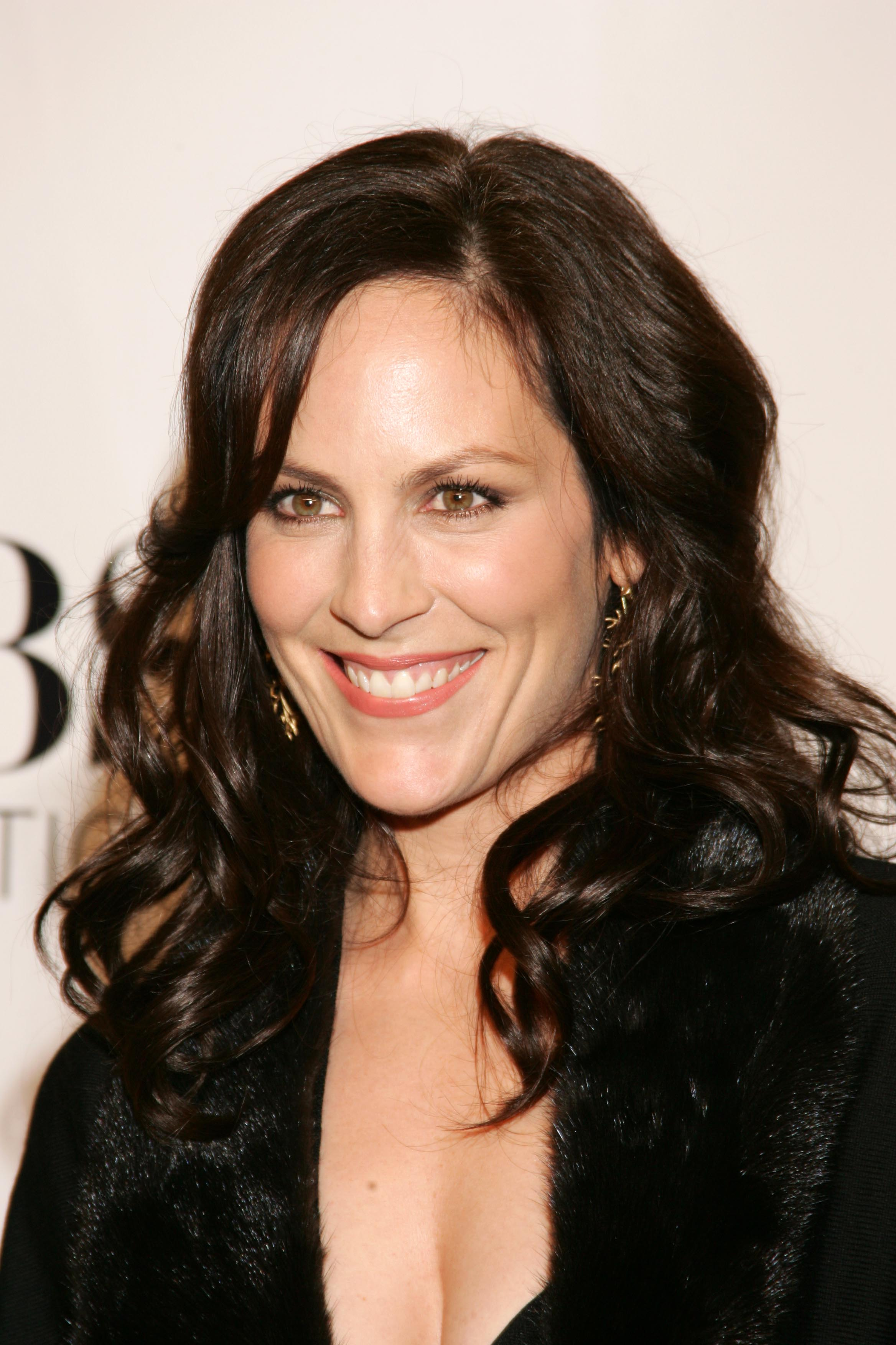 annabeth gish once upon a time