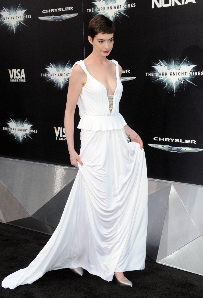 Anne Hathaway Was Obsessed With Losing Weight For Les Mis! FitPerez.com