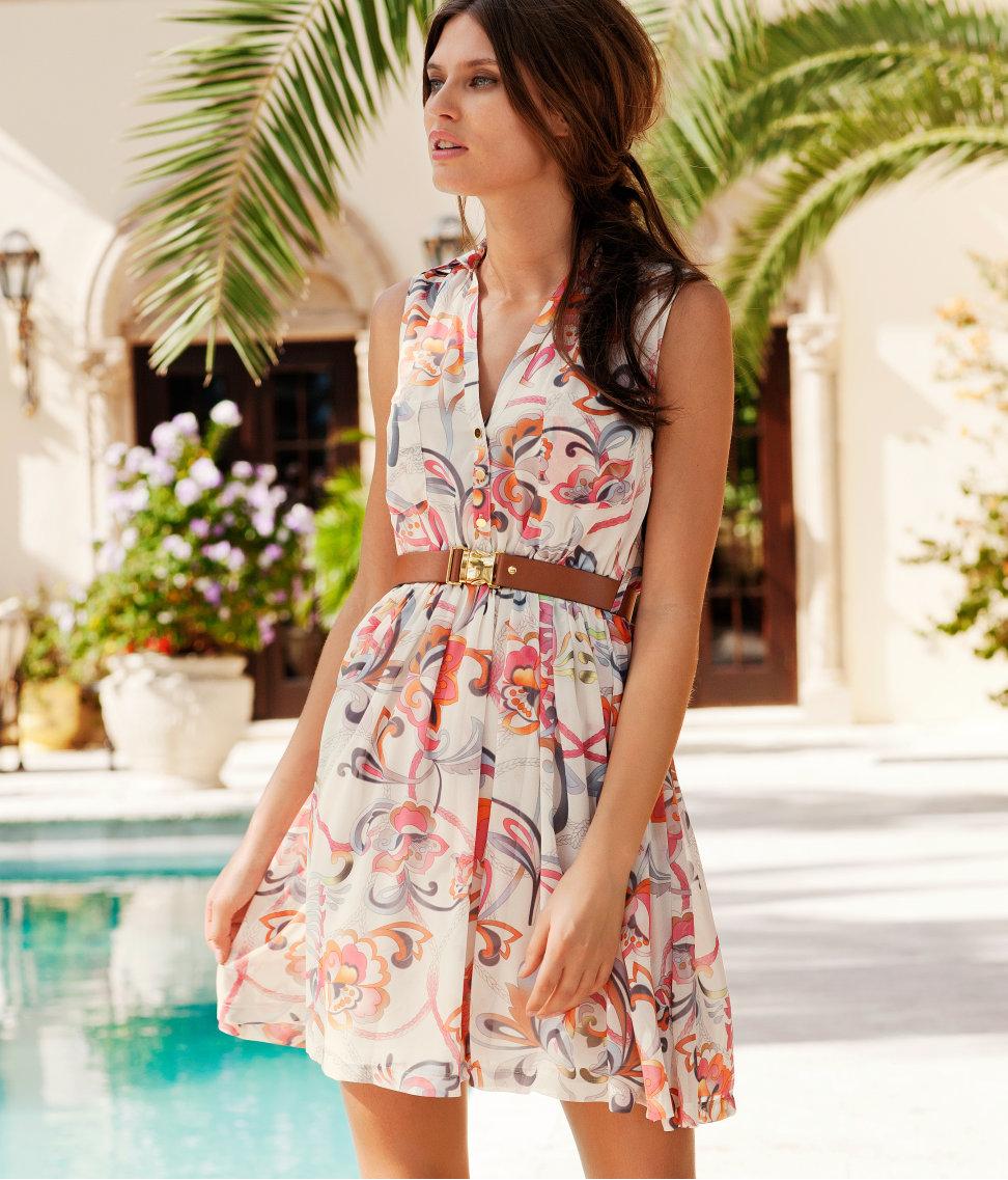 платье из вельвета цветного