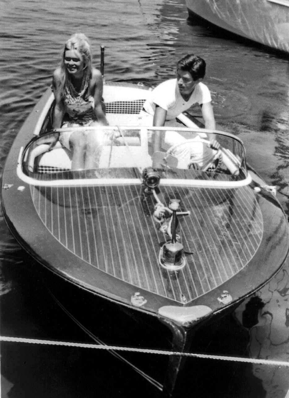 Брижитт Бардо и Сами Фрей в Сен-Тропе, 1963.