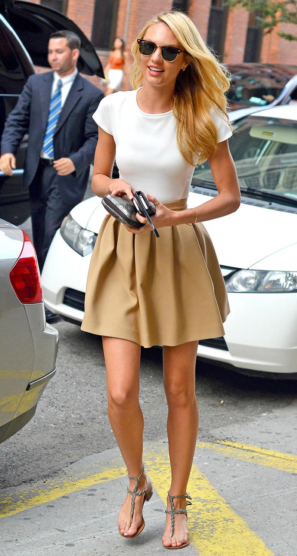 Что можно носить с бежевой юбкой
