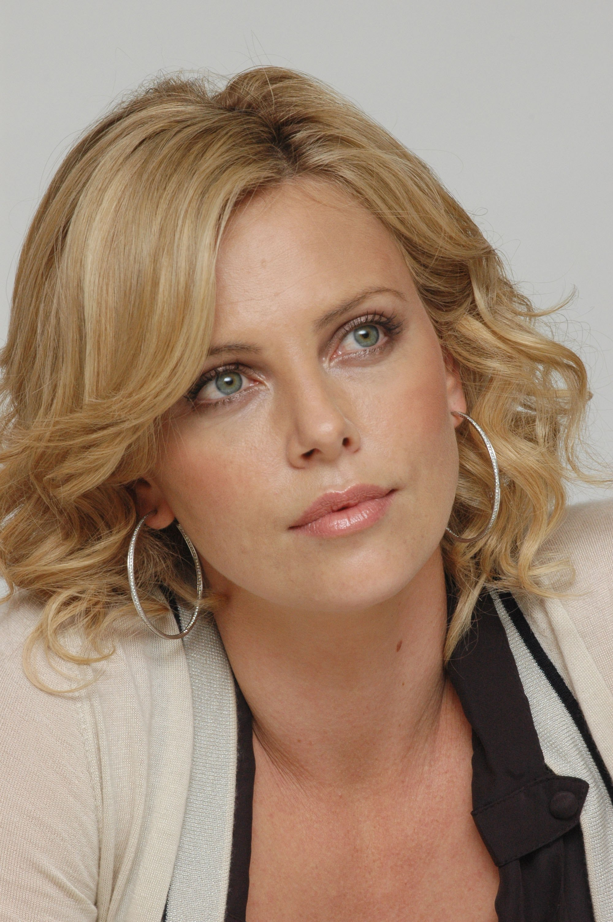 charlize theron 2016