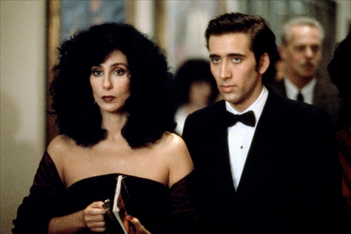 http://www.theplace.ru/archive/cher/img/22447_cher051_122_25.jpg
