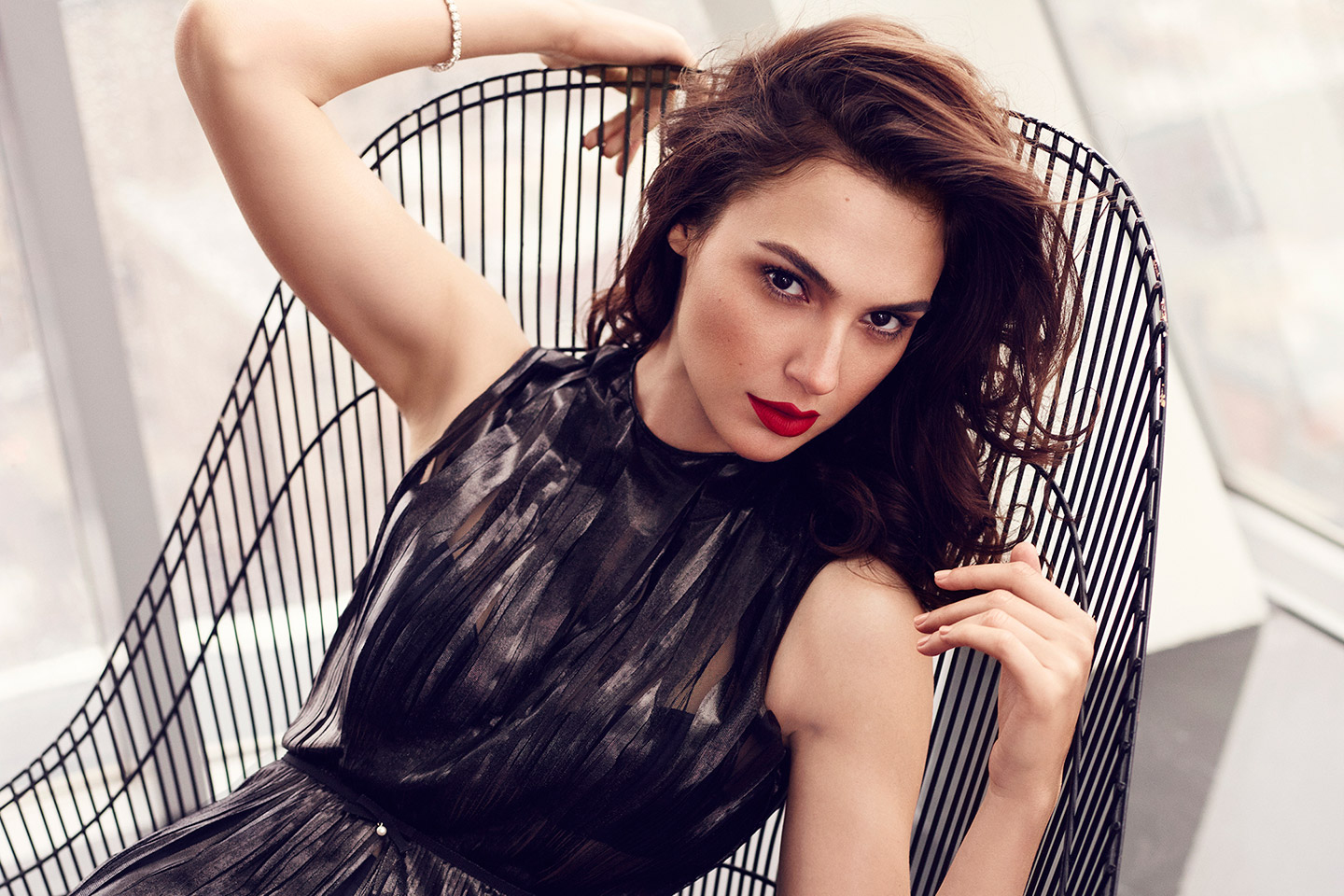 http://www.theplace.ru/archive/gal_gadot/img/2i(3).jpg