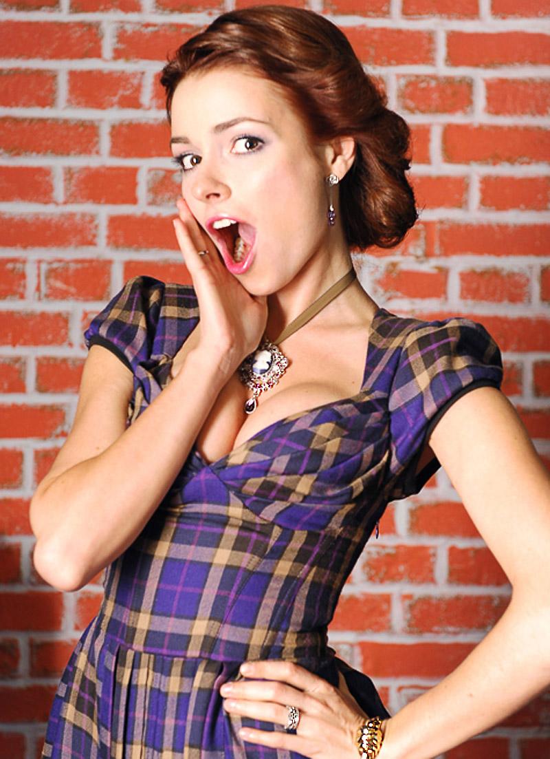 Ирена Понарошку голышом на эротических фотографиях от Starsru.ru