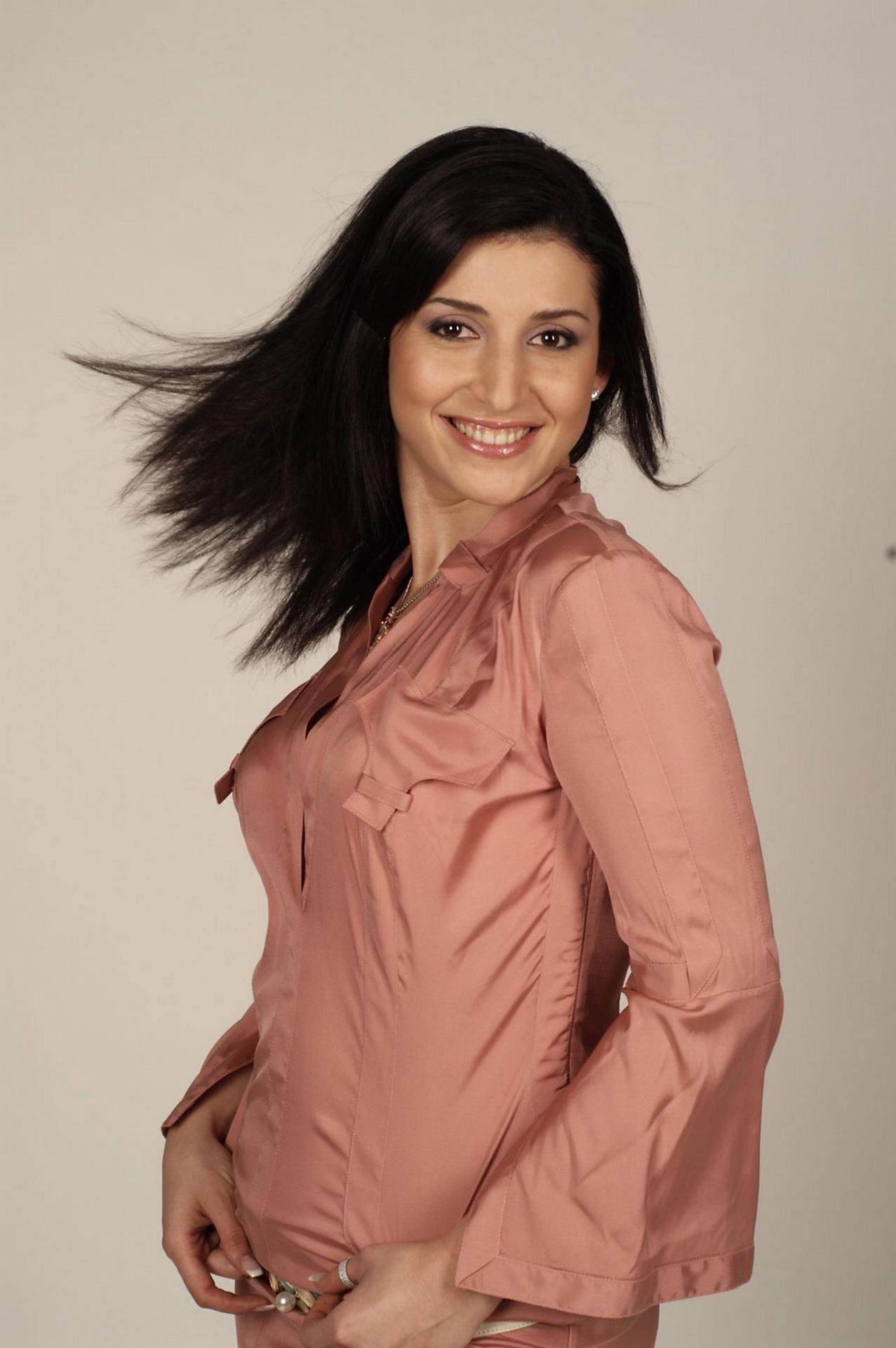 Певица из солнечного Дагестана Сара Семендуева, известная под творческим псевдонимом Жасмин, готовится вновь выйти...