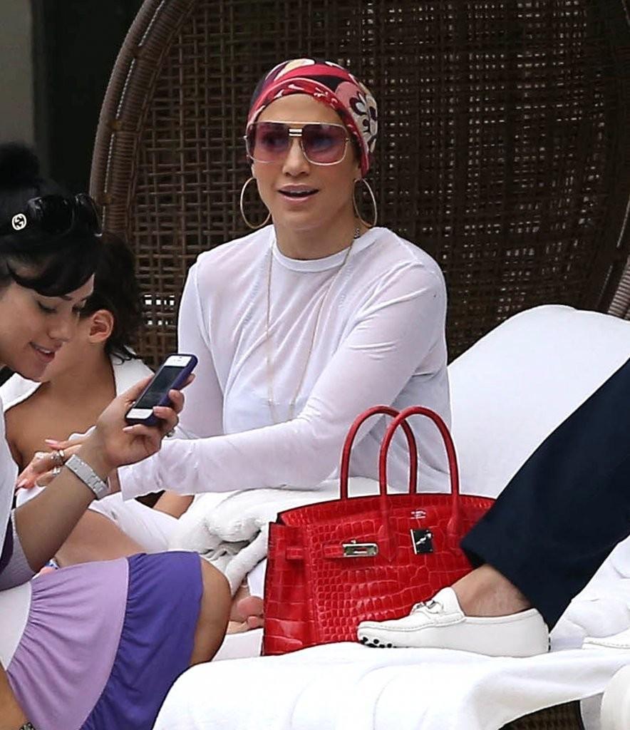 Дженнифер Лопес не обращает внимания на истерики детей  Дженнифер