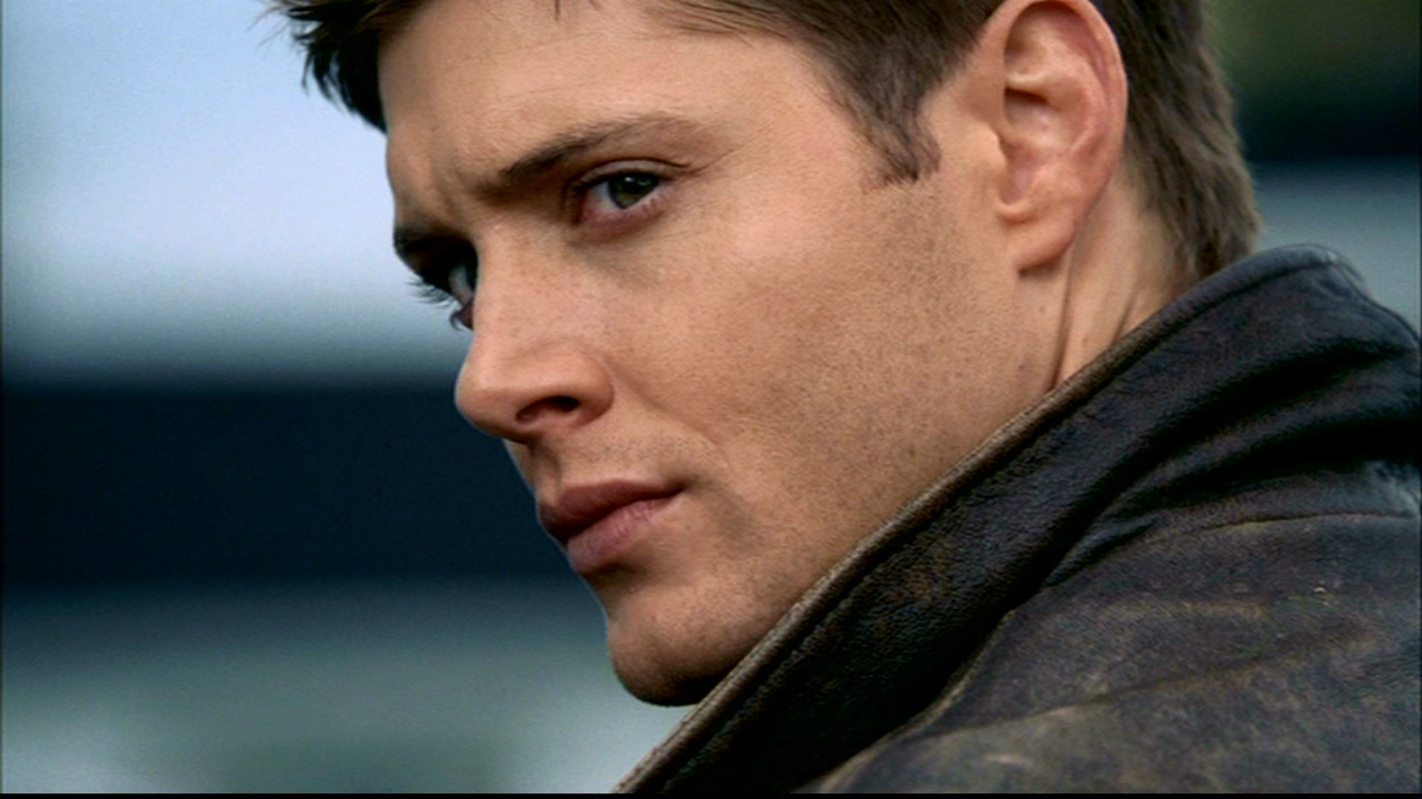 http://www.theplace.ru/archive/jensen_ackles/img/358896325.jpg