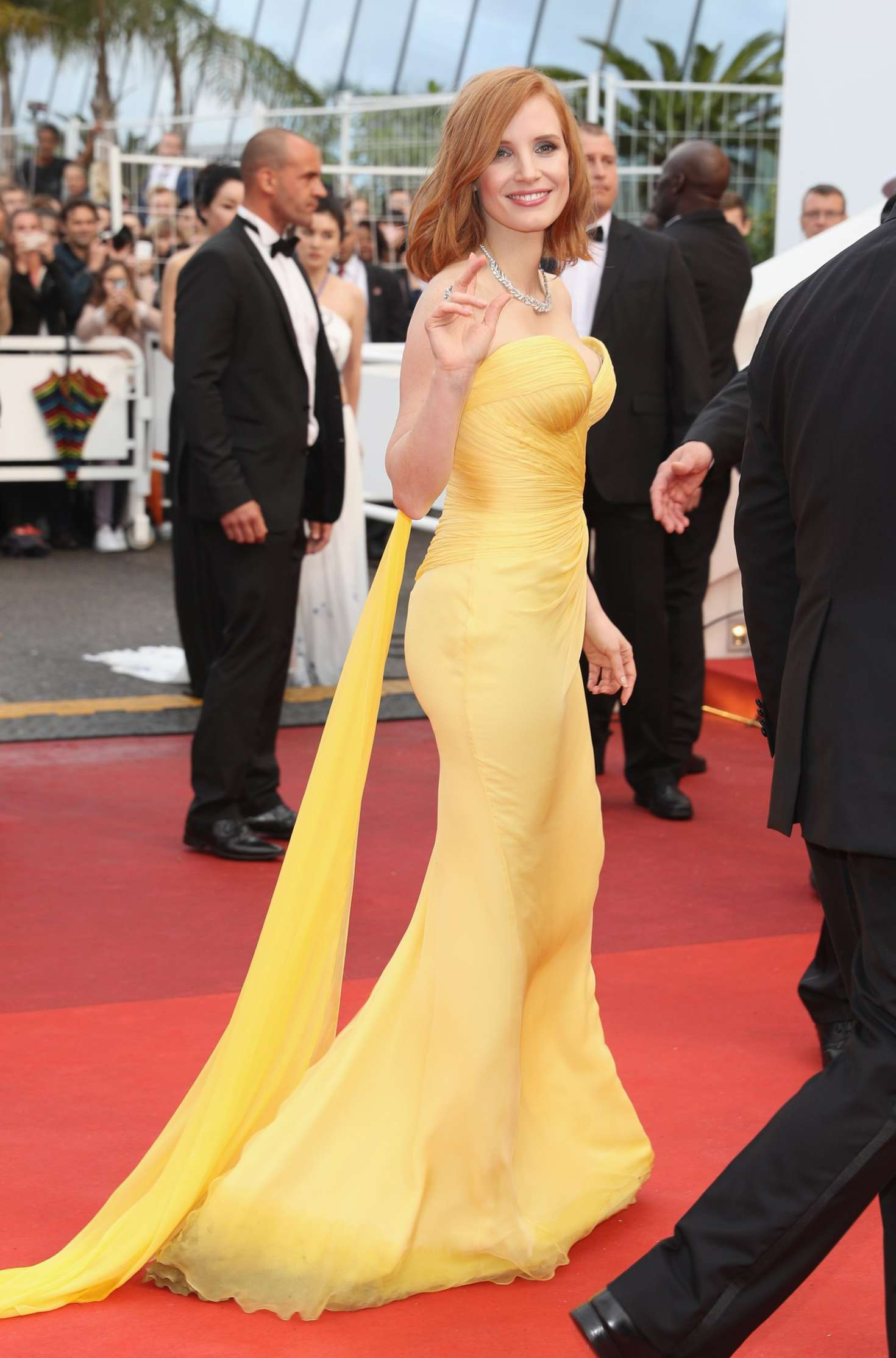 http://www.theplace.ru/archive/jessica_chastain/img/jessica_chastain_cafe_society_opening_gala_at_2016_cannes_film_festival_06.jpg