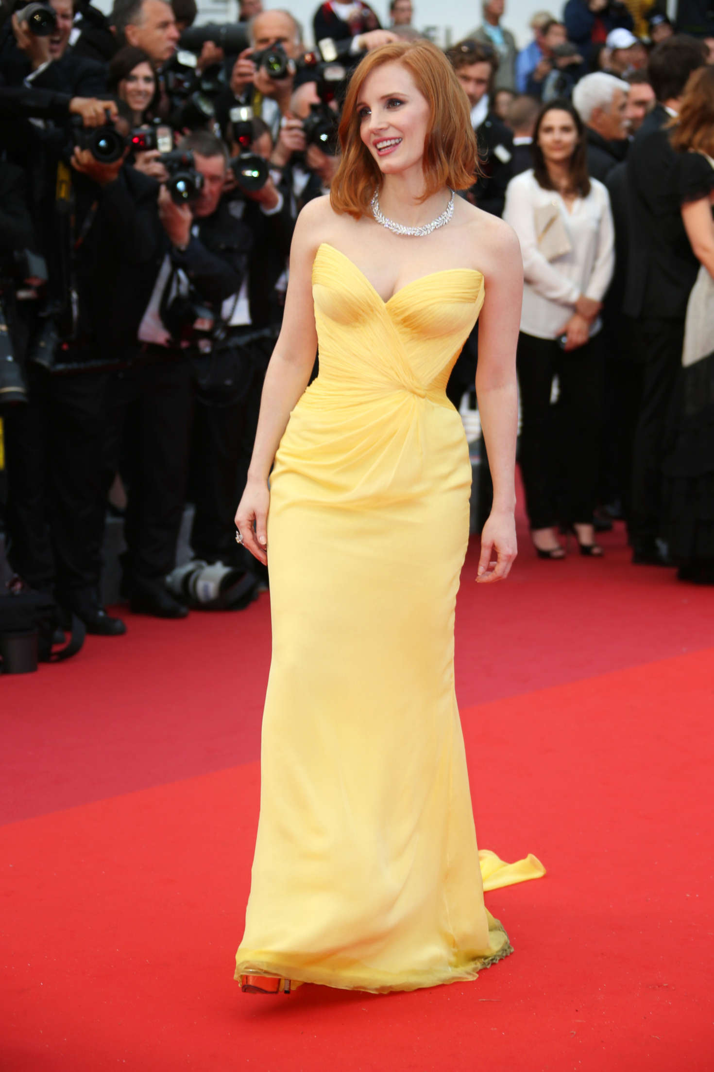 http://www.theplace.ru/archive/jessica_chastain/img/jessica_chastain_cafe_society_opening_gala_at_2016_cannes_film_festival_14.jpg