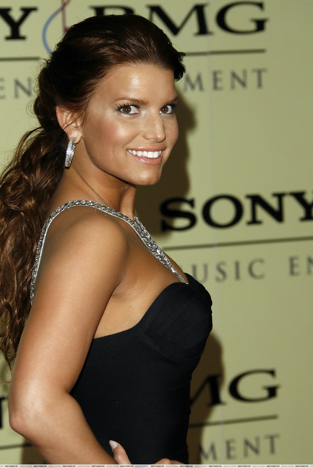 Get More Shocking Photos And Movies With Naked Jessica Simpson See