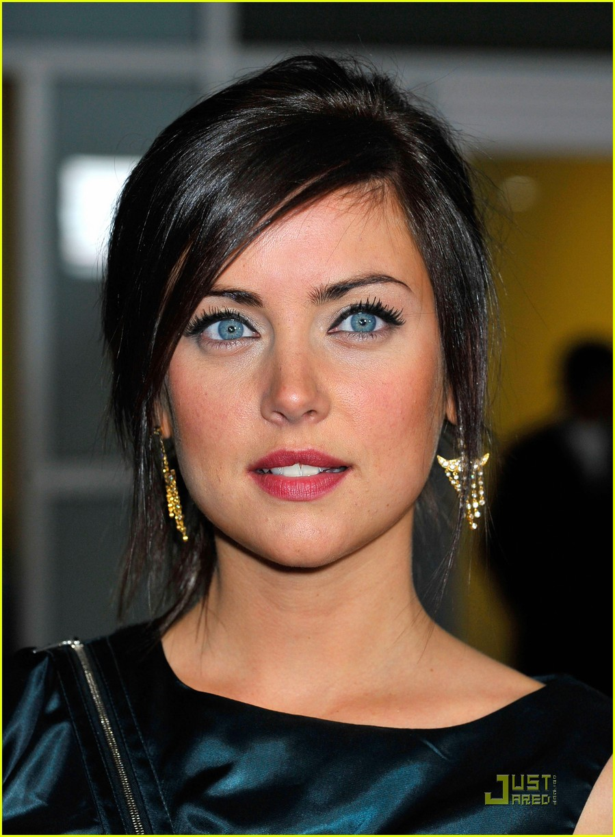 Jessica stroup informers premiere 01 - Jessica Stroup Premieres The