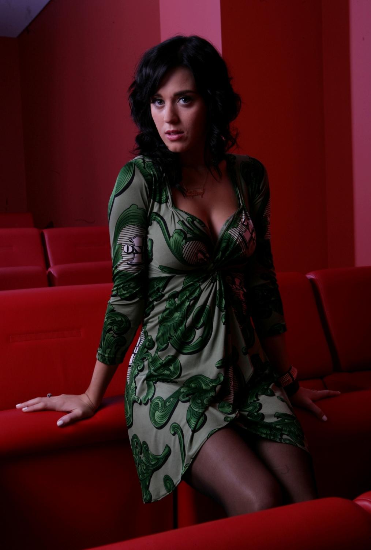 Смотреть эротику с участием кети перри и других 16 фотография