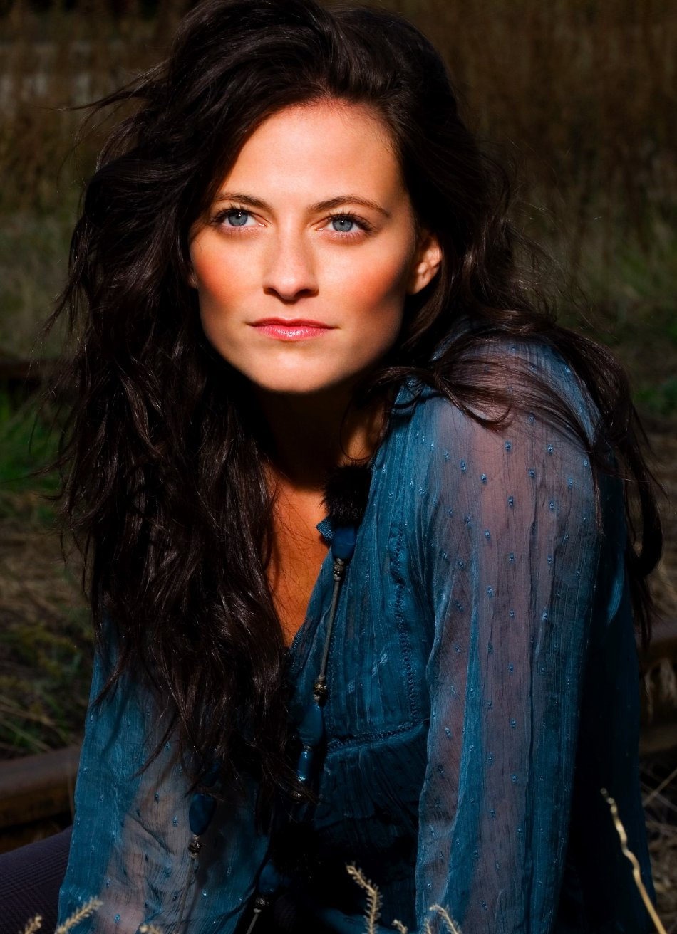 lara pulver leather