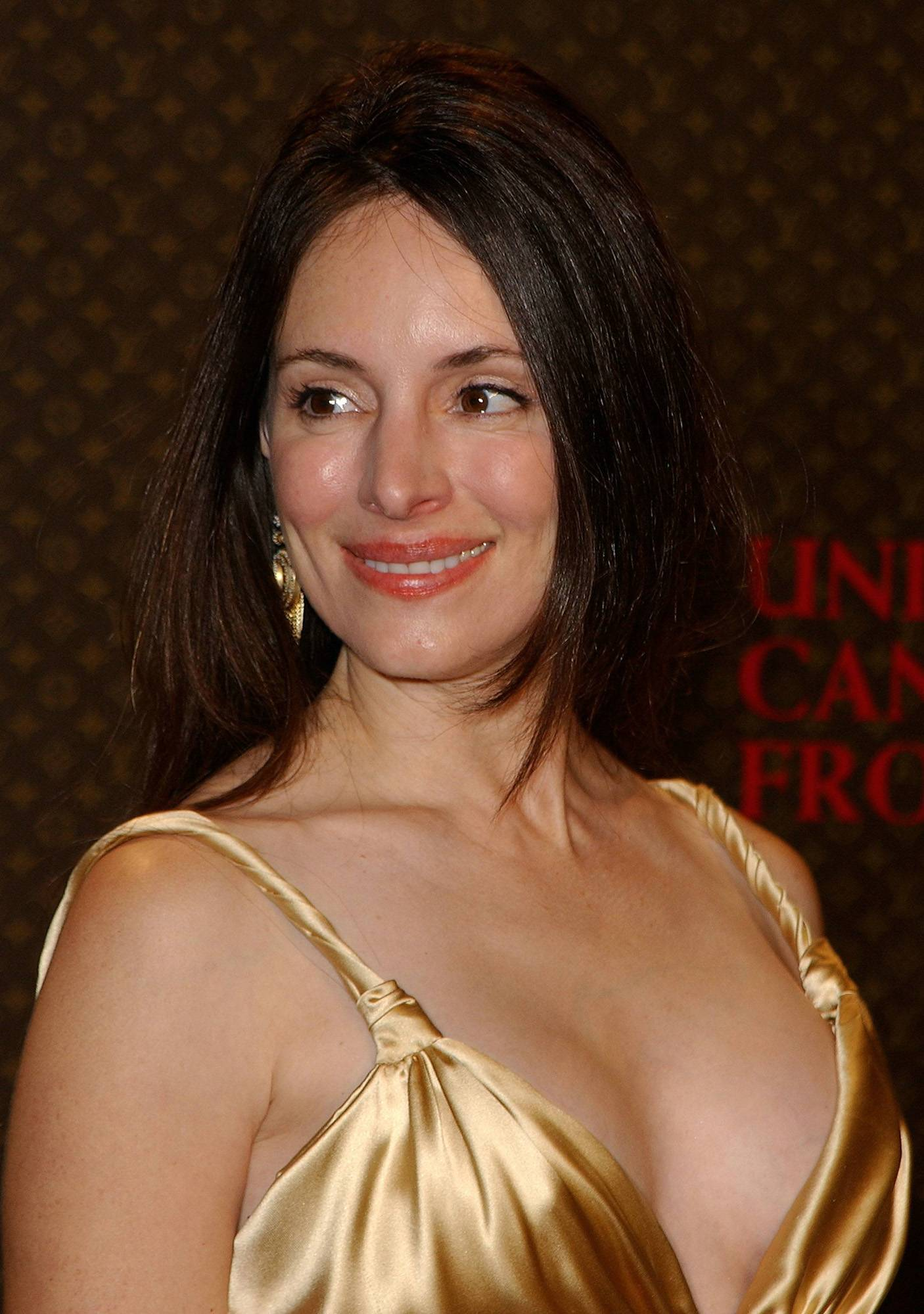 Madeleine Stowe - Wallpaper Gallery