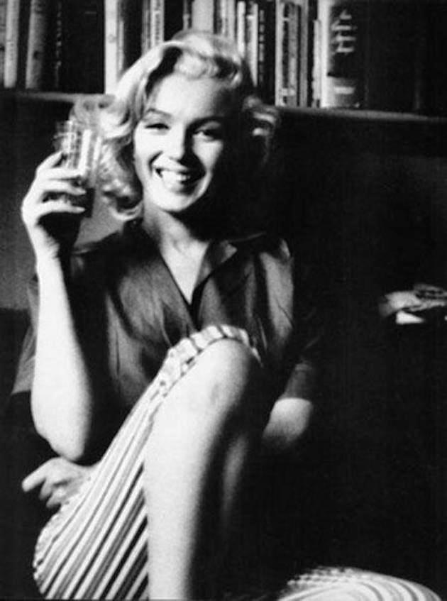 Смотреть фотографию Marilyn Monroe.