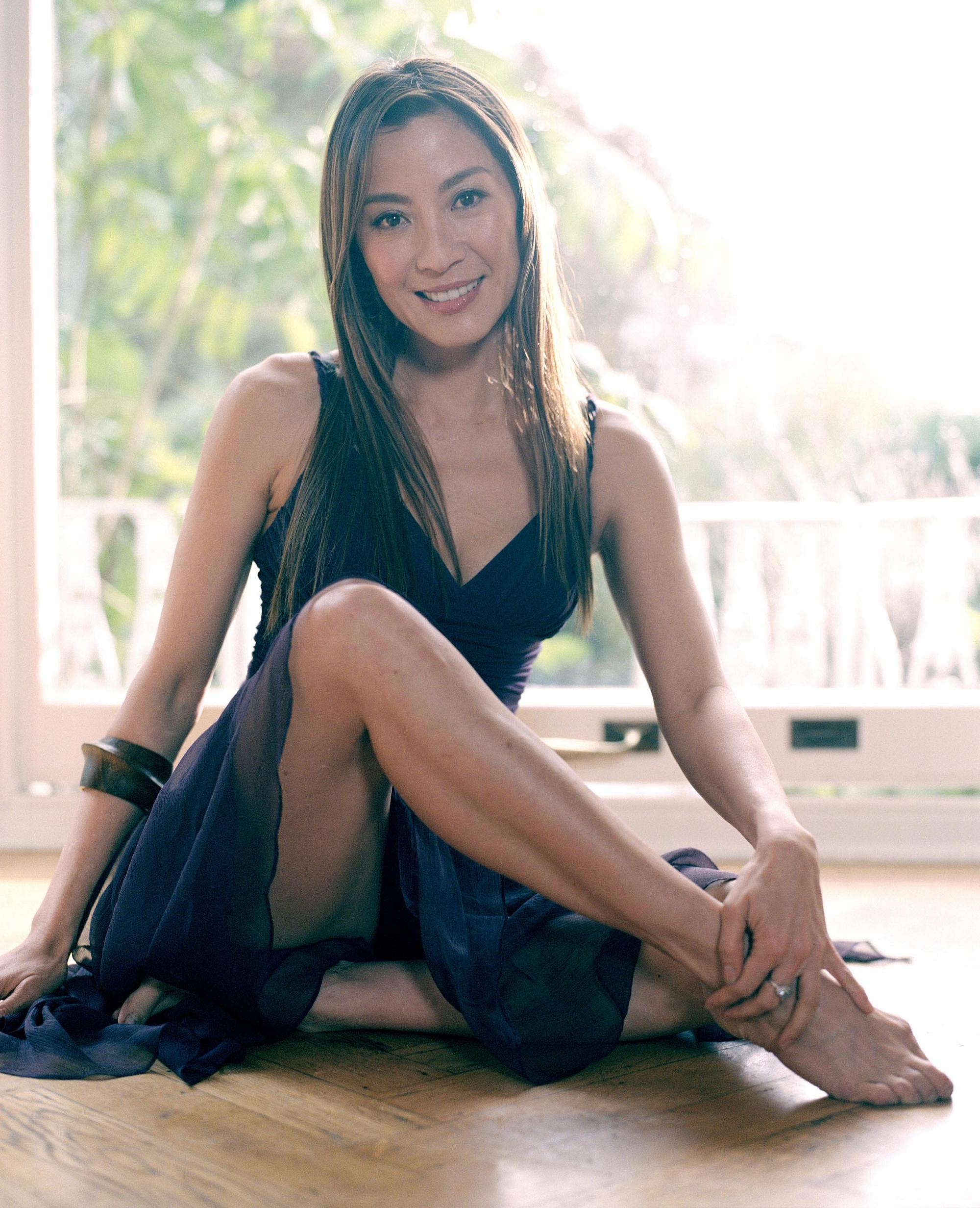 http://www.theplace.ru/archive/michelle_yeoh/img/michelle_yeoh00006_1.jpg