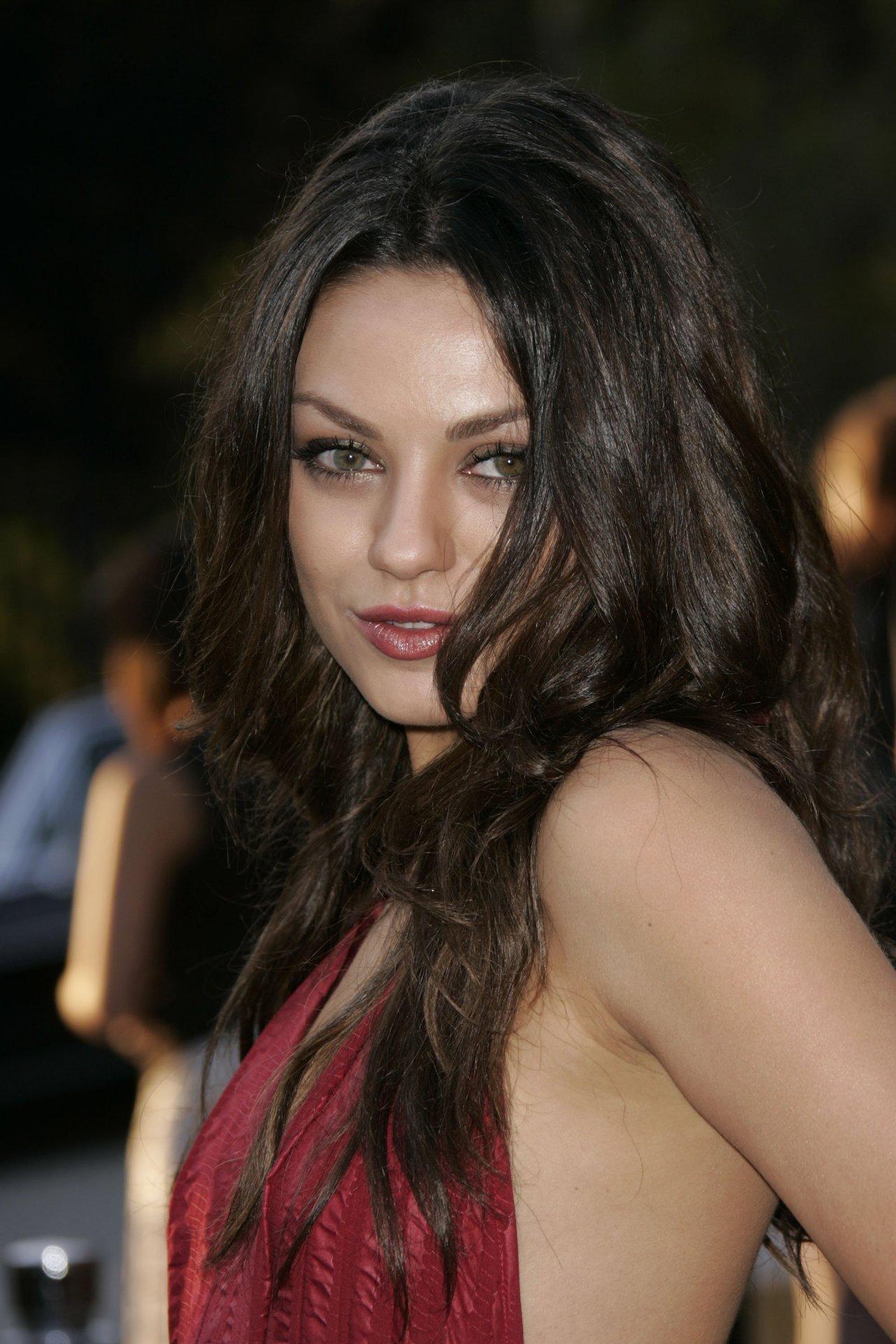 А если голая Мила Кунис (Mila Kunis) не достаточно тебя возбудила, ты