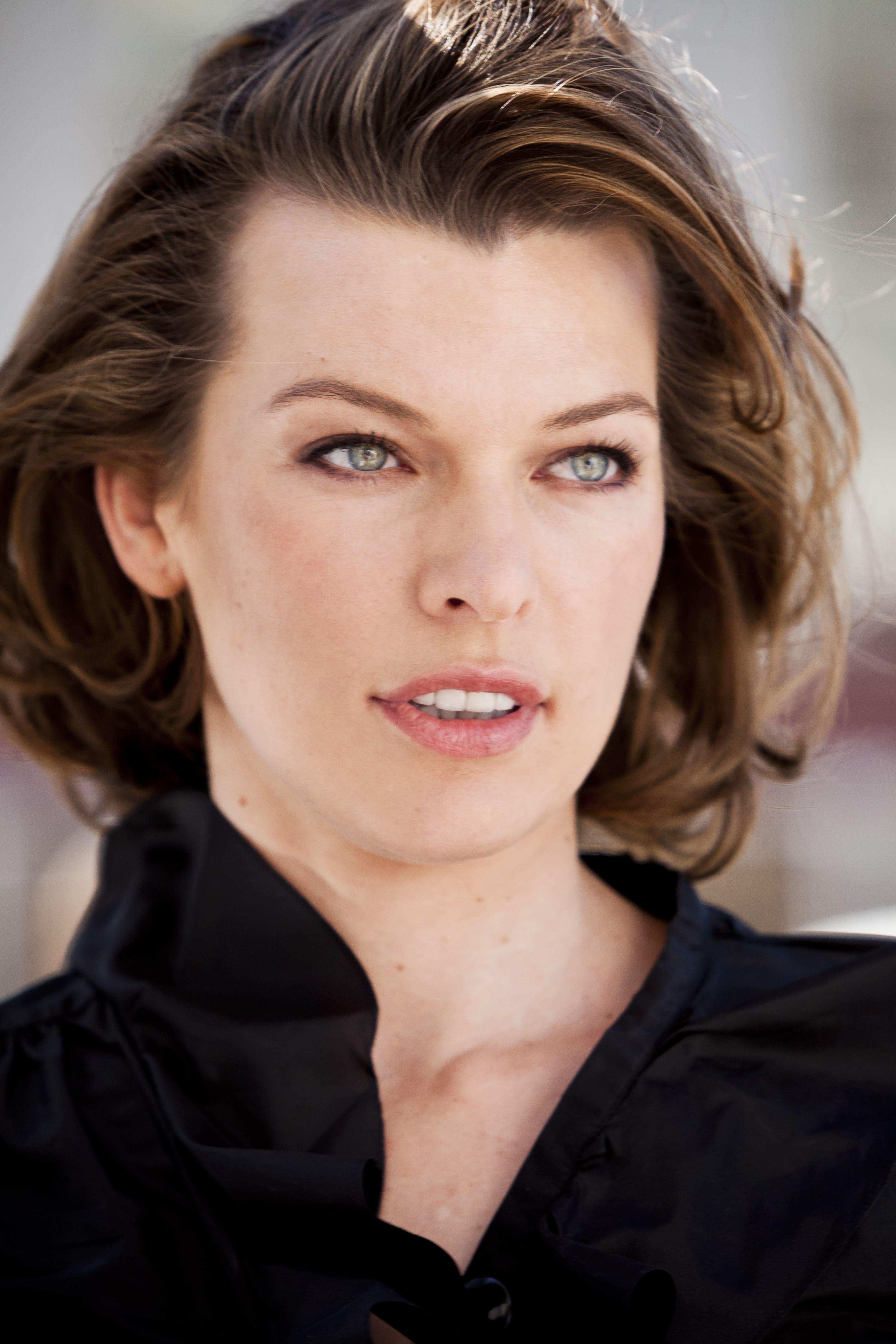 Актриса, фотомодель, и просто эффектная Мила Йовович всегда выглядит