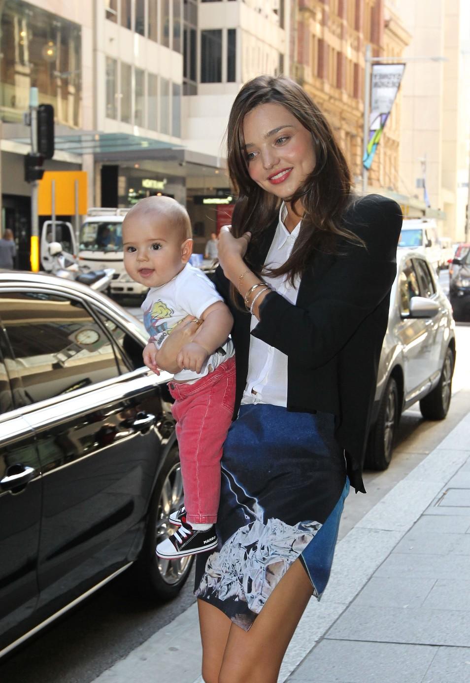 Супер мамочка с сыном 3 фотография