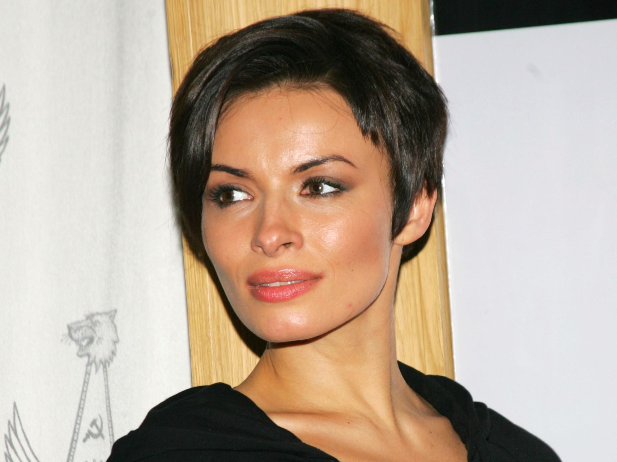Надежда Мейхер-Грановская любит позировать голышом. Фото и видео бесплатно