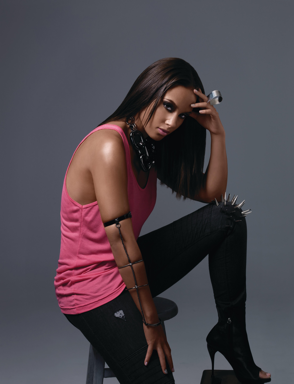 Алиша Кис (Alicia Keys) в фотосессии Ю Цая (Yu Tsai) (2009), фото 4