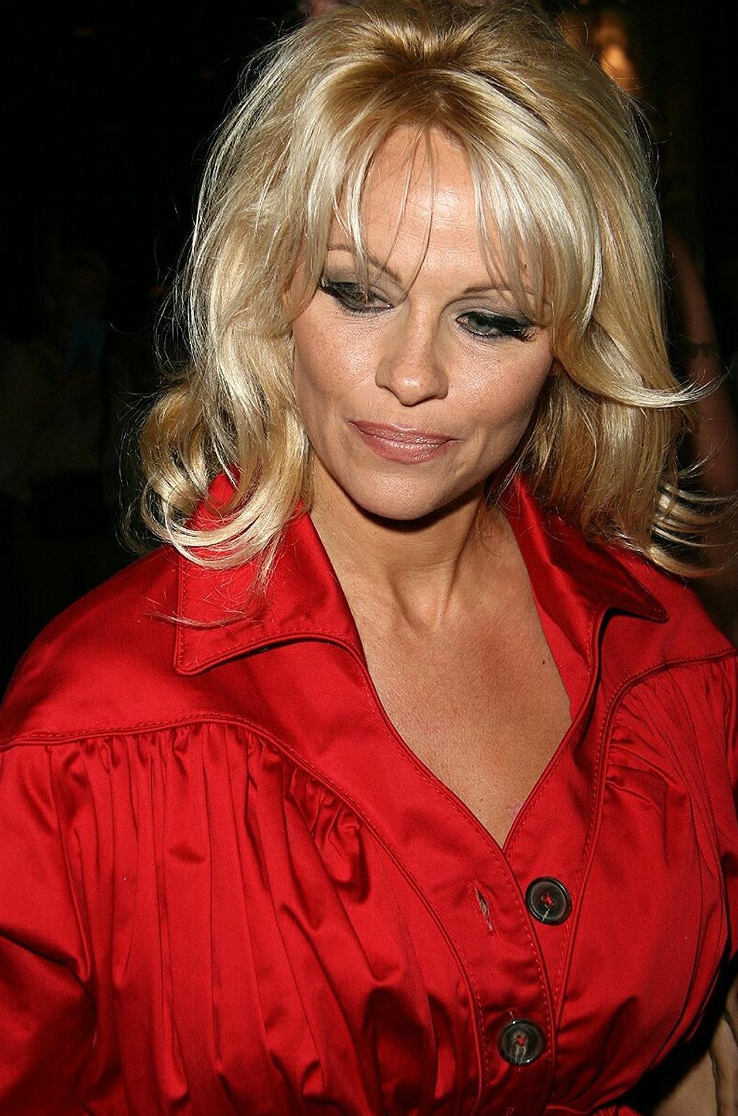 Памэла Андэрсон (Pamela Anderson) фото #635997