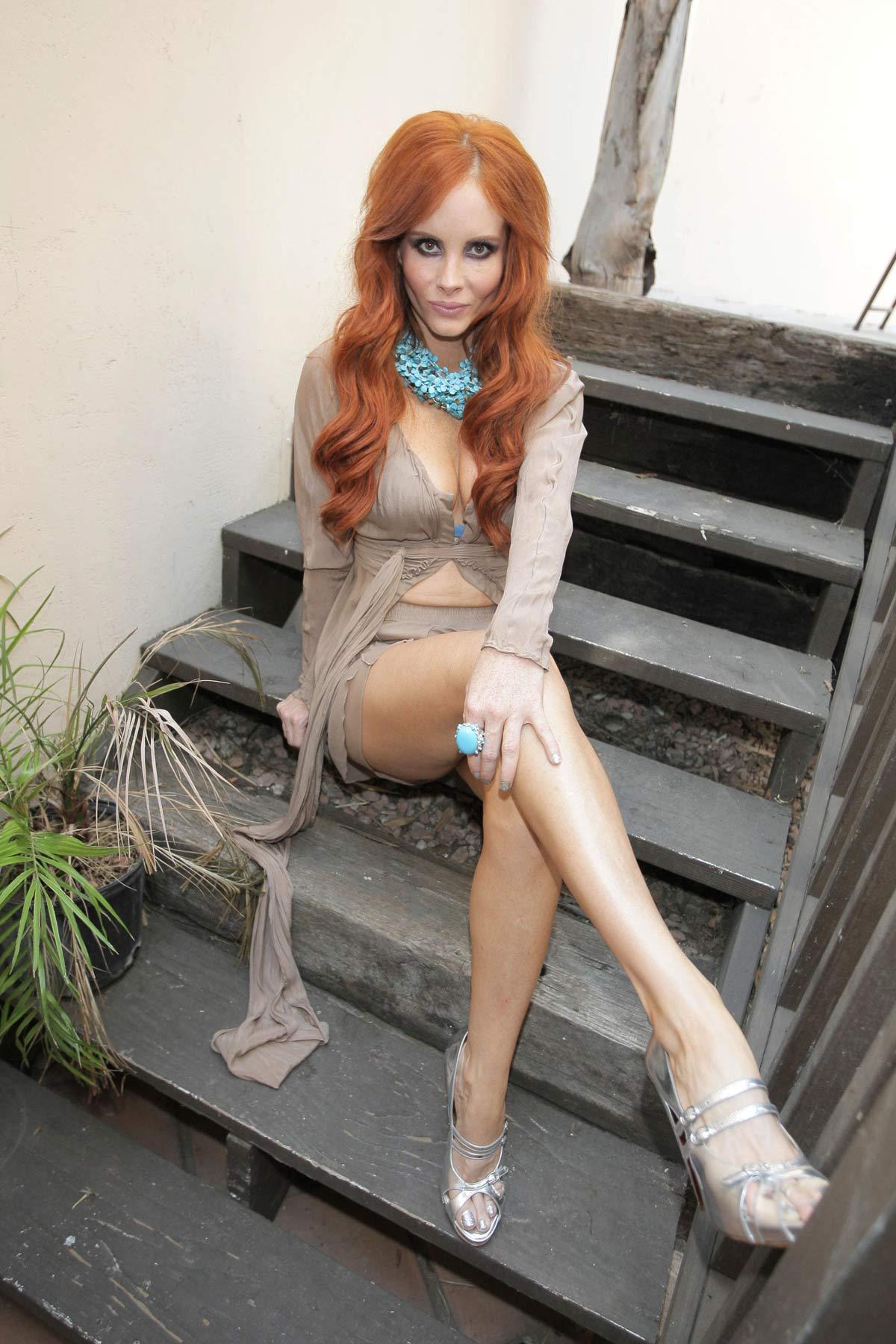 Nackt Natalya rudakova nackter körper aktbilder daumen