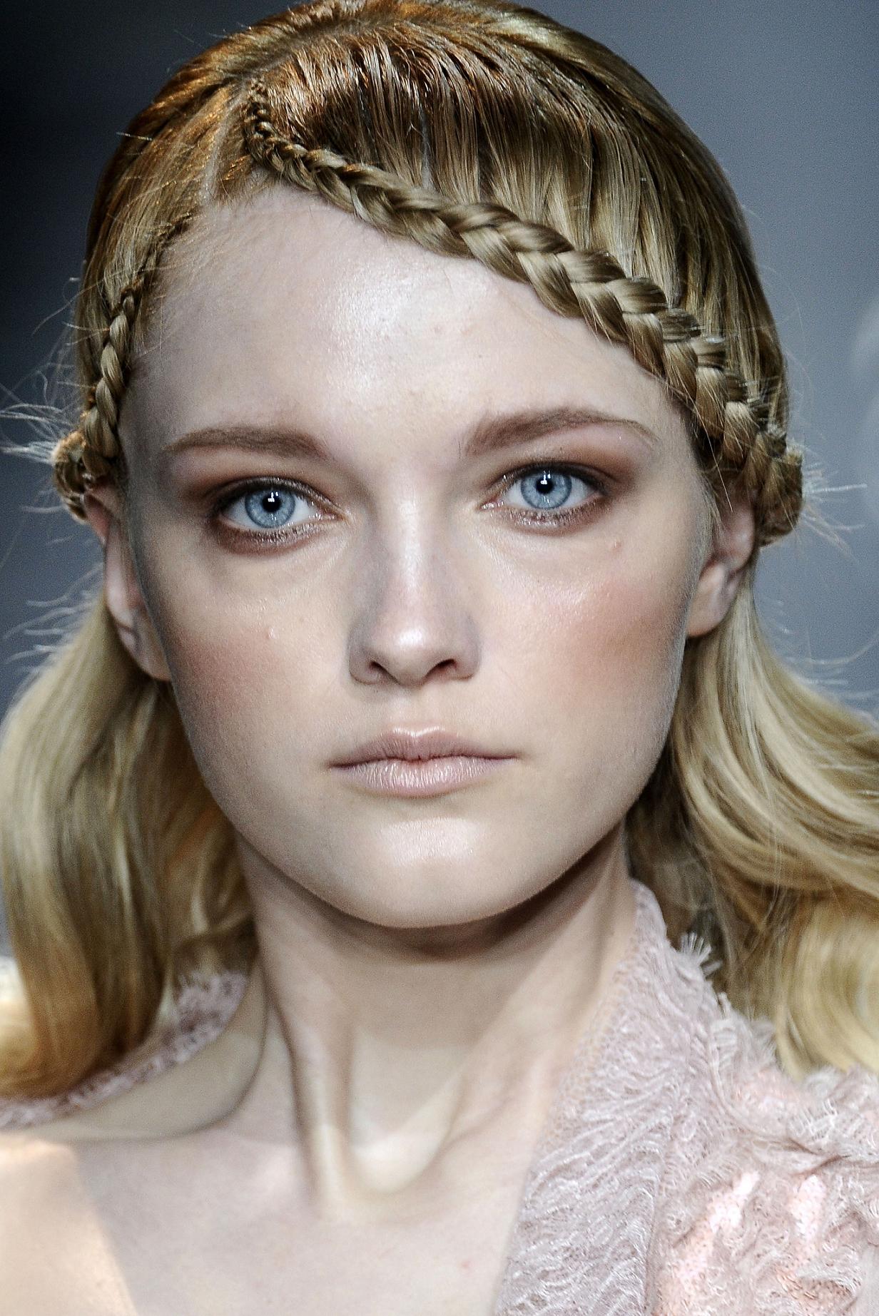 Модные косы девочке фото.