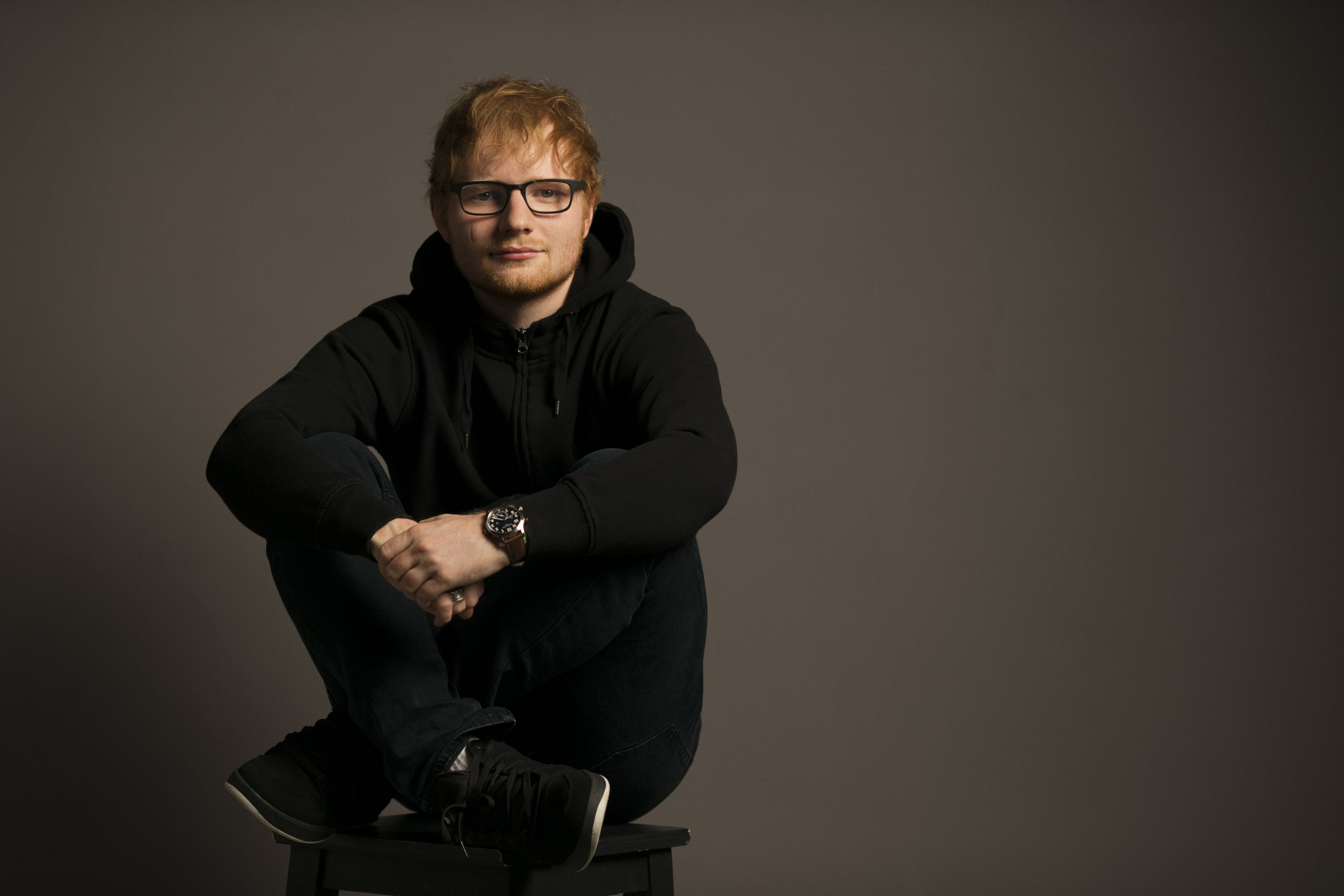https://www.theplace.ru/archive/ed_sheeran/img/2017_session_008.jpg