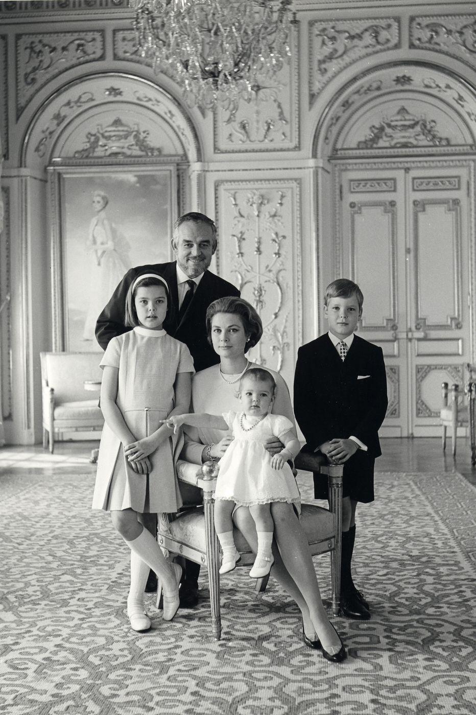 http://www.theplace.ru/archive/grace_kelly/img/mariage_princier_sas_le_prince_albert_ii_4_1301567675.jpg