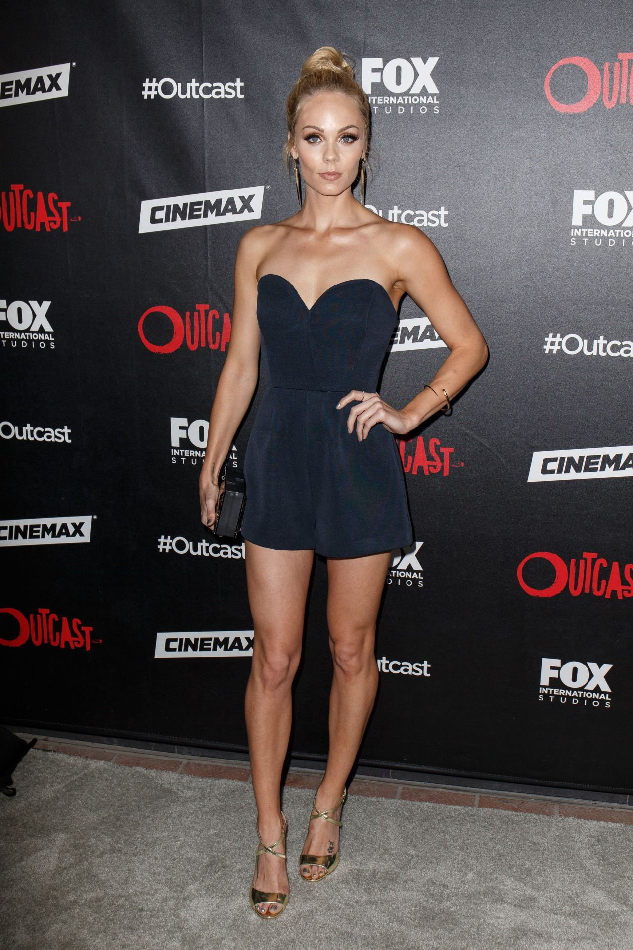 http://www.theplace.ru/archive/laura_vandervoort/img/laura_vandervoort_at_fox_international_studios_outcast_comic_con_party_in_san_diego_july_2015_1.jpg