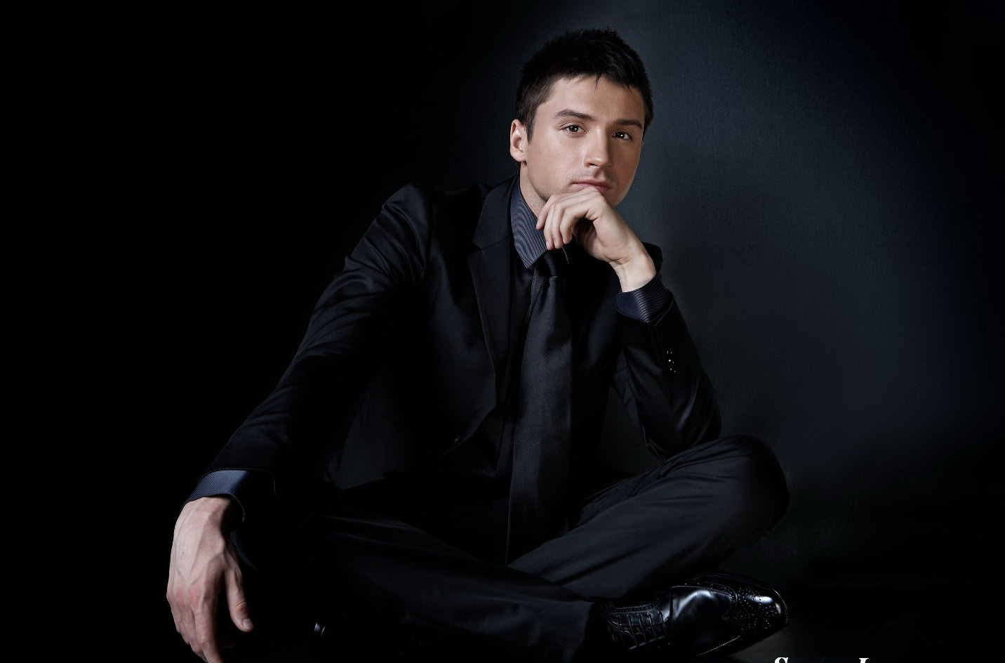 http://www.theplace.ru/archive/sergey_lazarev/img/63edef82a06e_www_hqp.jpg
