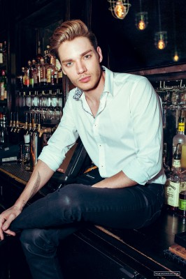 Dominic Sherwood фото №946558